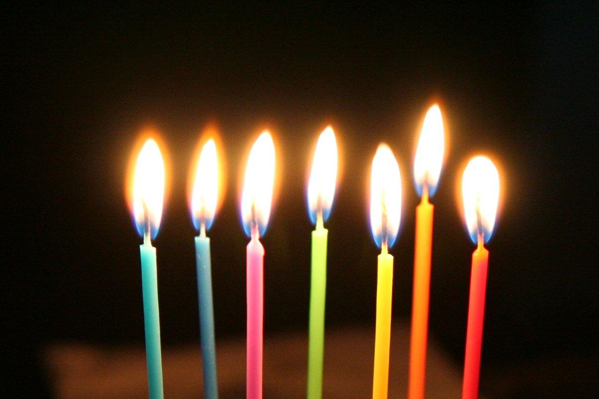 Rainbow Candles [CC chichacha, flickr]