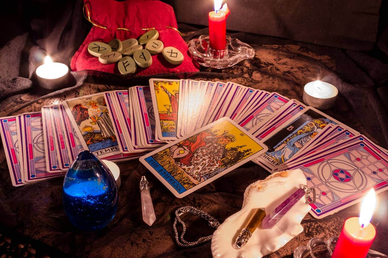 Teach Yourself How To Read The Tarot During Coronavirus Isolation